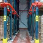 Detalle pasillo de racks penetrables