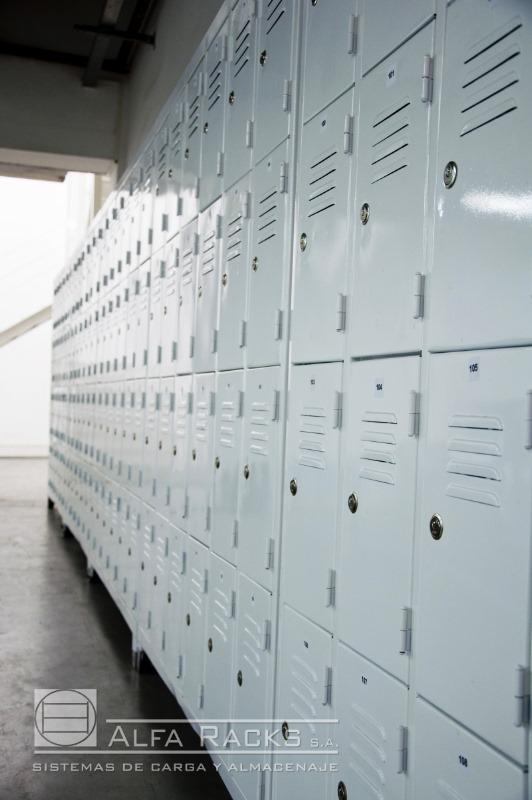 Lockers con cerradura Alfa Racks SA