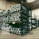 Vista inferior racks de carga textil
